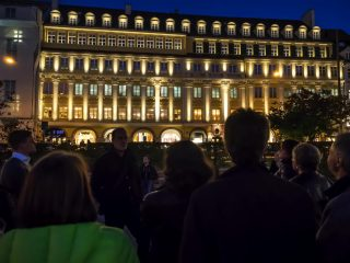 Fassadenbeleuchtung mit Vortrag am Dallmayr